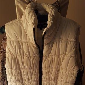 Black Rivet white puffer vest, black trim, L